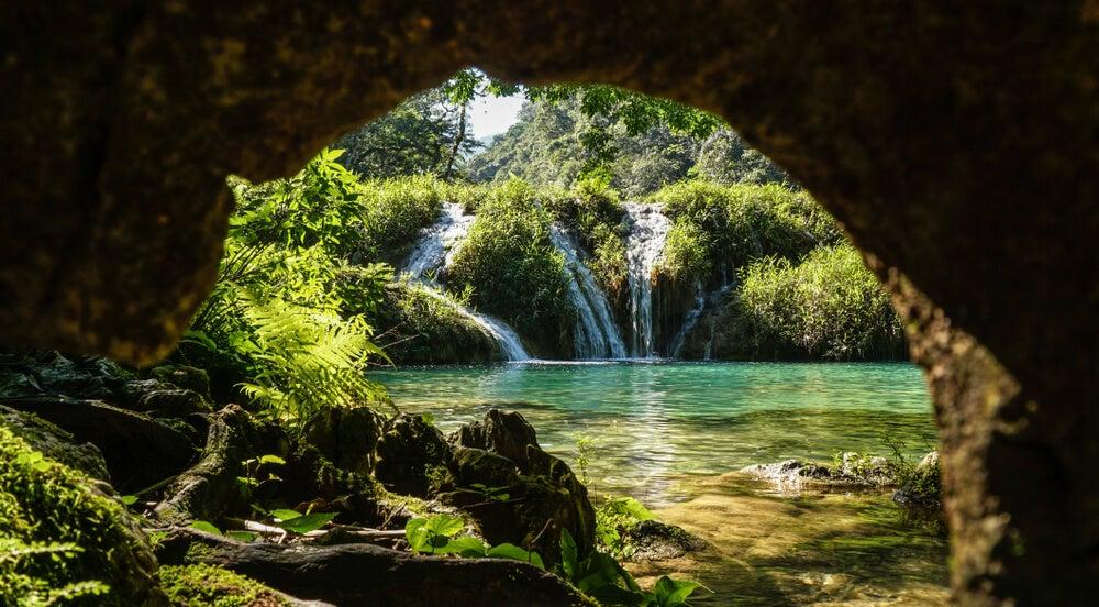 Cueva en el interior del parque