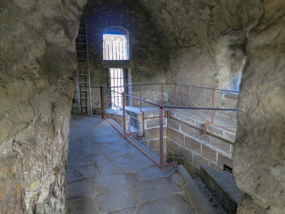 Interior acueducto de Segovia