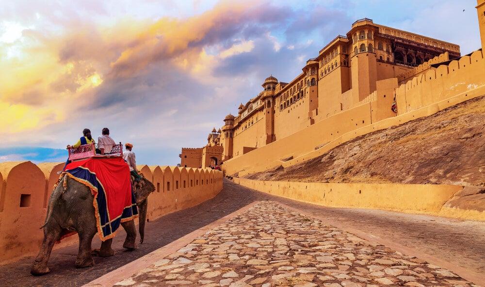 Un paseo en elefante a Amber Fort, en Jaipur