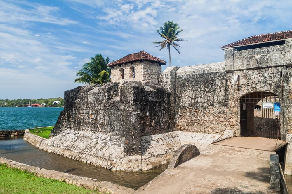 Acceso al castillo de San Felipe de Lara