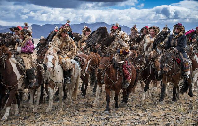 Participantes en el Festival del Águila en Mongolia