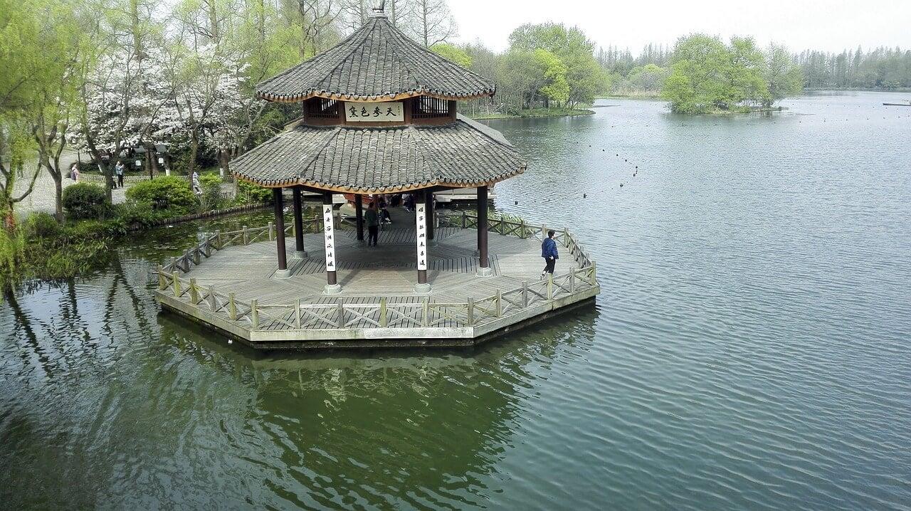 Templo en el Lago del Oeste de Hangzhou