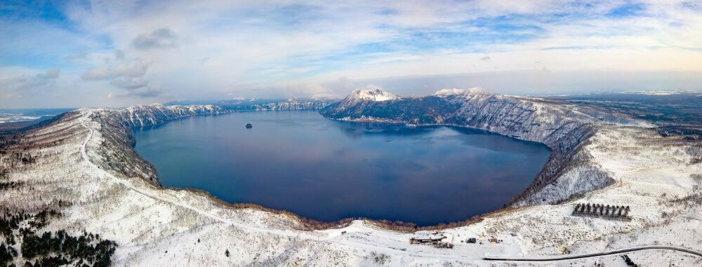 Vista del lago Masyuko en invierno