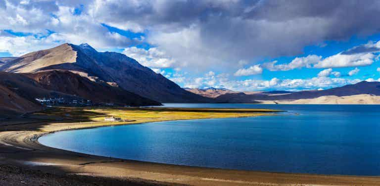 El increíble lago Tso Moriri al norte de la India