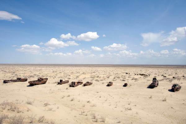 Vista del mar de Aral seco