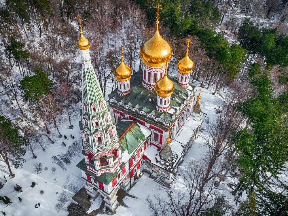 Vista aérea de la Iglesia-memorial de Shipka