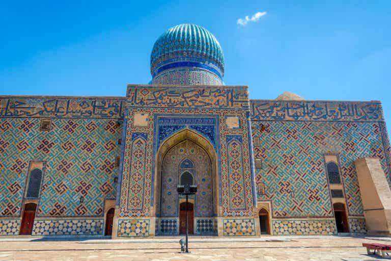 La mezquita de Turkestán, una ciudad de la Ruta de la Seda