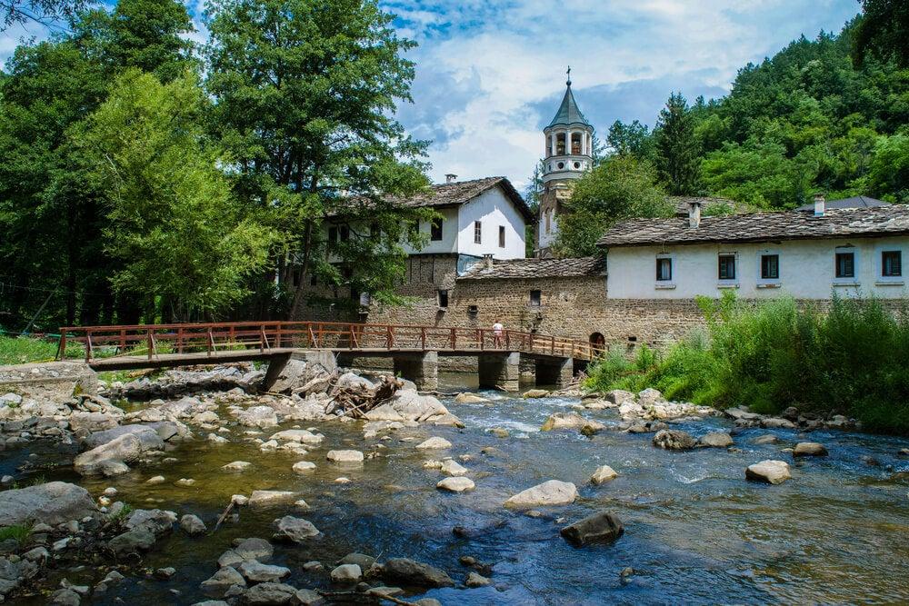 Vista del monasterio de Dryanovo
