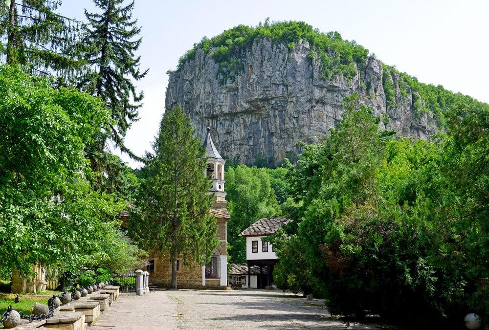 Una ruta por los valles y colinas de Dryanovo en Bulgaria
