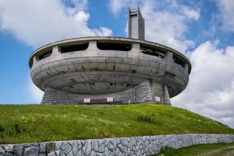 Monumento de Buzludzha, una visita inusual en los Balcanes