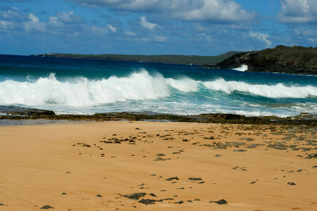 Oleaje en la playa Papohaku