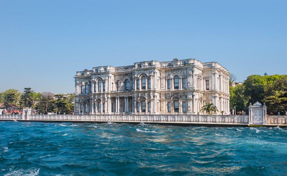El palacio de Beylerbeyi y el barrio de Eyüp en Estambul