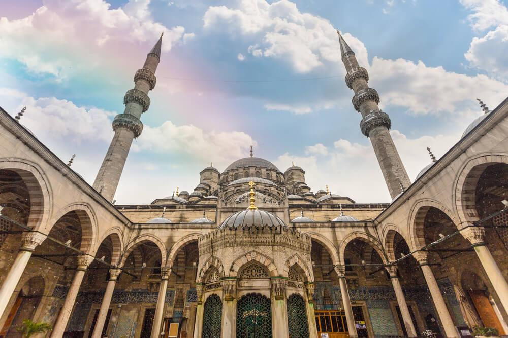 Patio de la Mezquita Nueva de Estambul