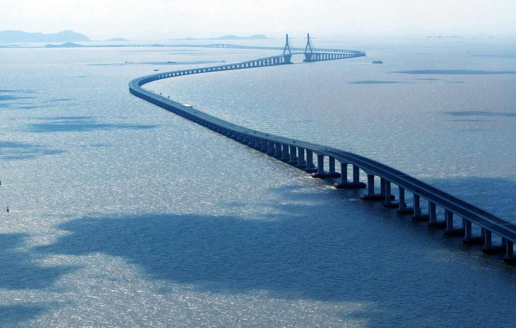 Puente de la Bahía en Hangzhou