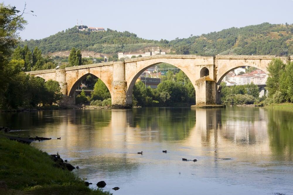 Vista del Puente Viejo de Ourense