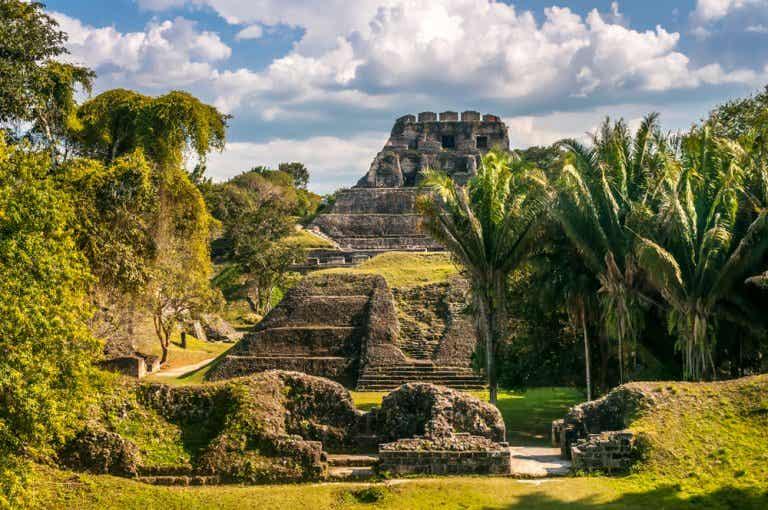 Explora las fascinantes ruinas mayas de Belice
