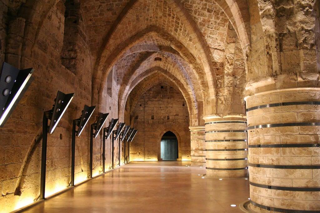 Sala de las Columnas en la fortaleza de Akko