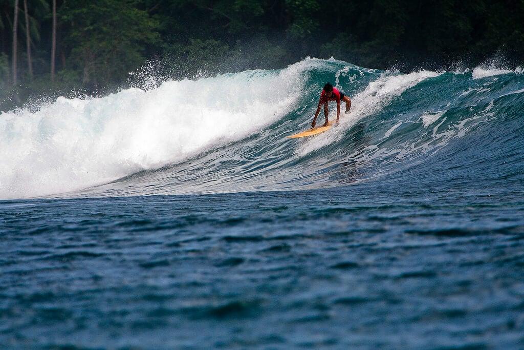 Surfista en Siargao