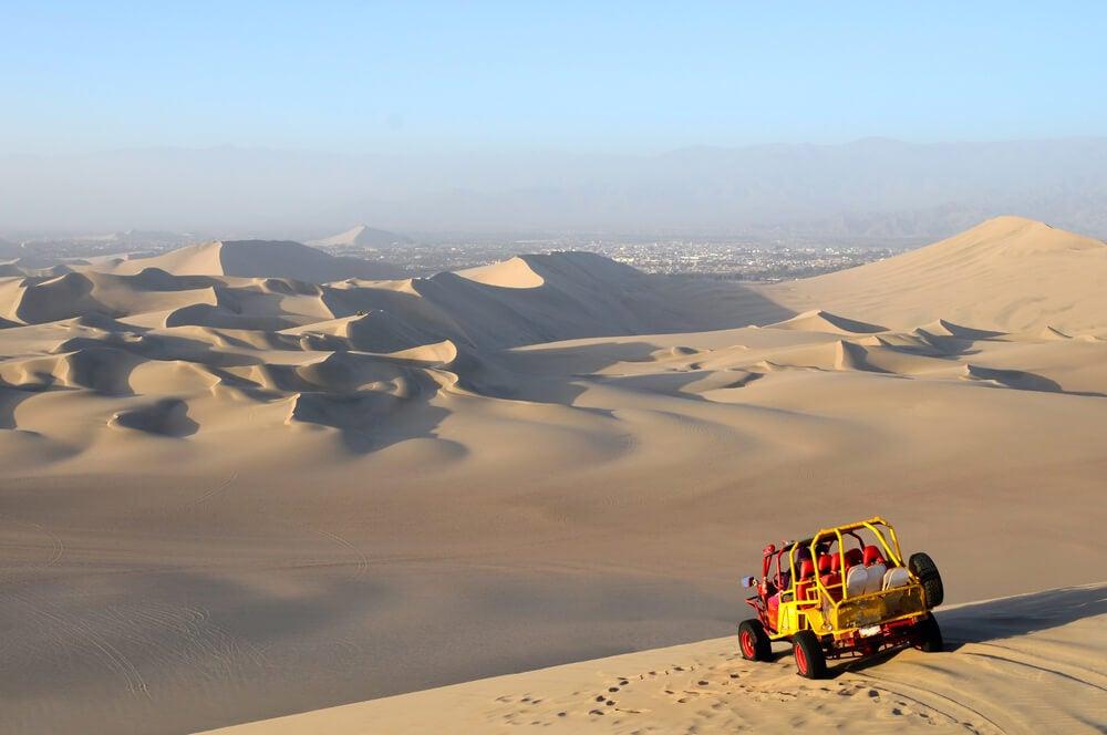 Excursión en todoterreno en el desierto de Huaracanga