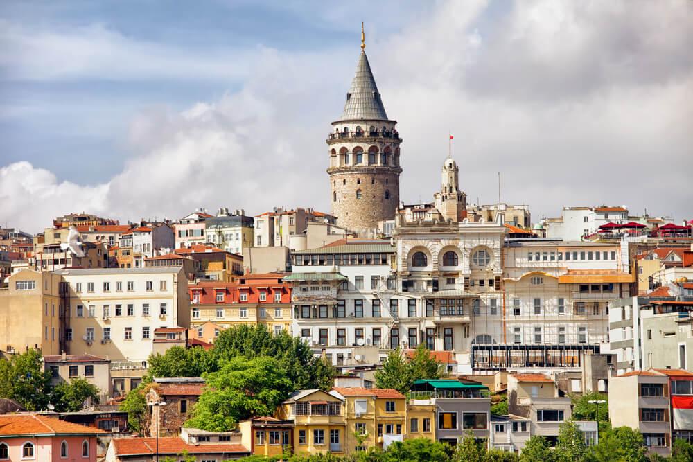 La Torre de la Doncella y la Torre Gálata en Estambul