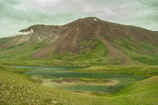 Vista del lago Tulpar Kol
