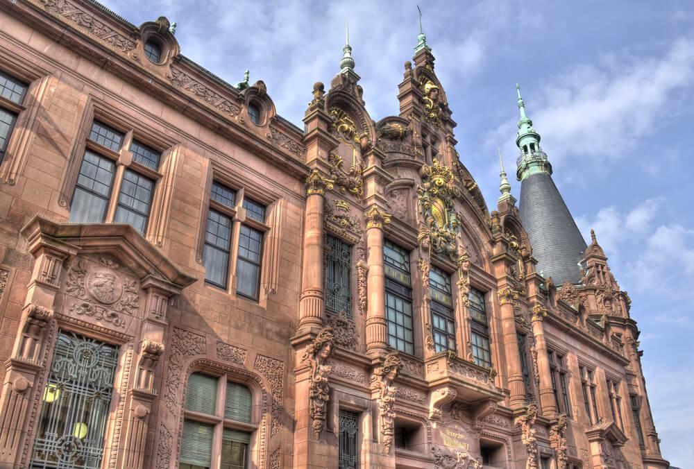 Fachada de la biblioteca de la Universidad de Heidelberg