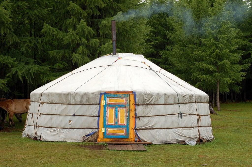 Yurta típica en el lado Khovsgol