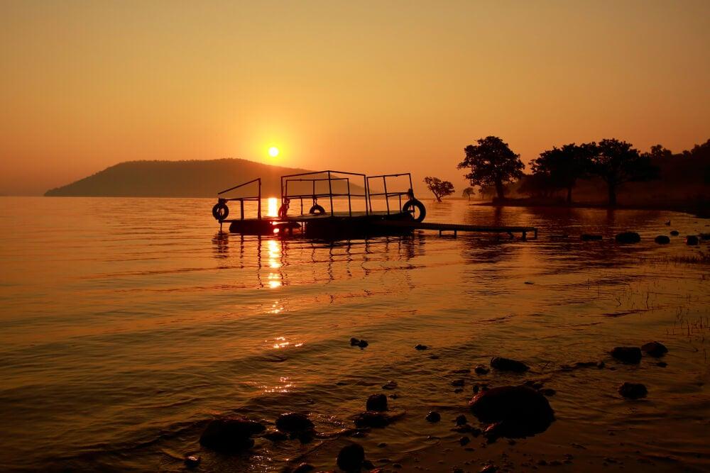 Atardecer en el lago Pakhal