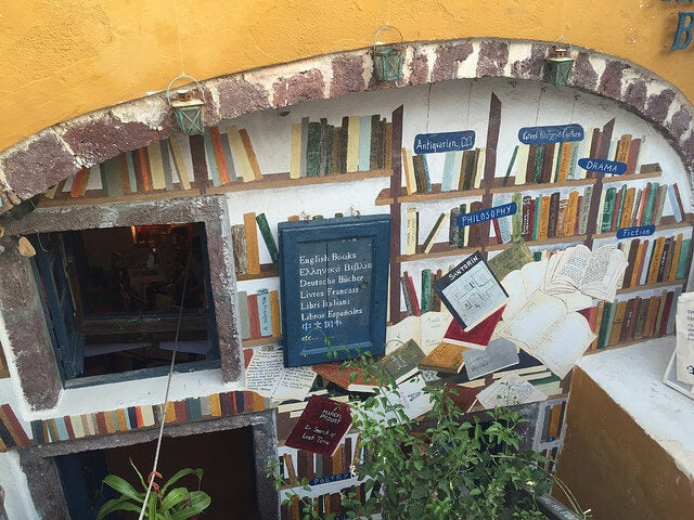 Atlantis Books en Oia