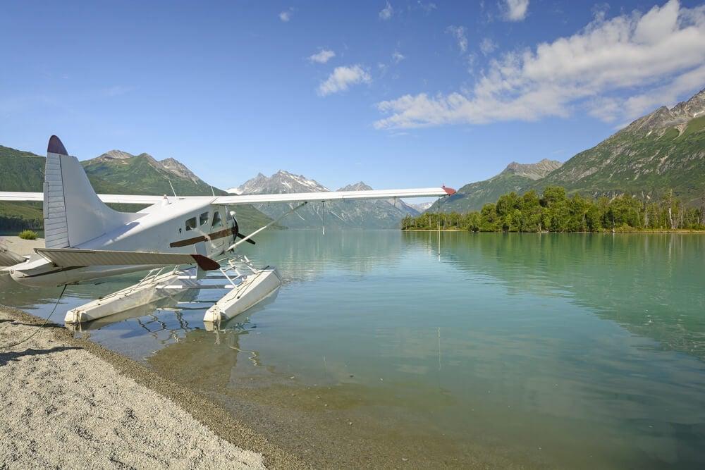 Avioneta en el Parque Nacional Lake Clark