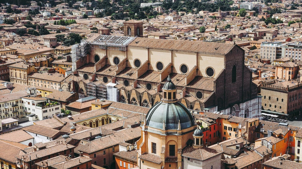 Vista aérea de la Basílica de San Petronio en Bolonia