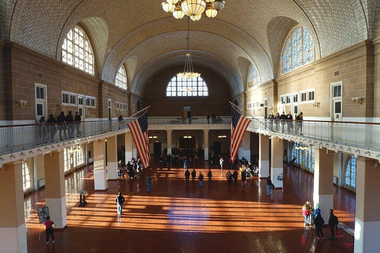 Interior de Ellis Island, uno de los museos de Nueva York