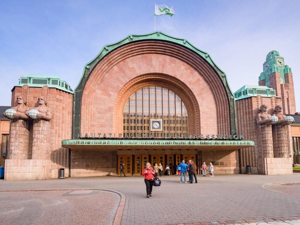Acceso principal a la estación Central de Helsinki