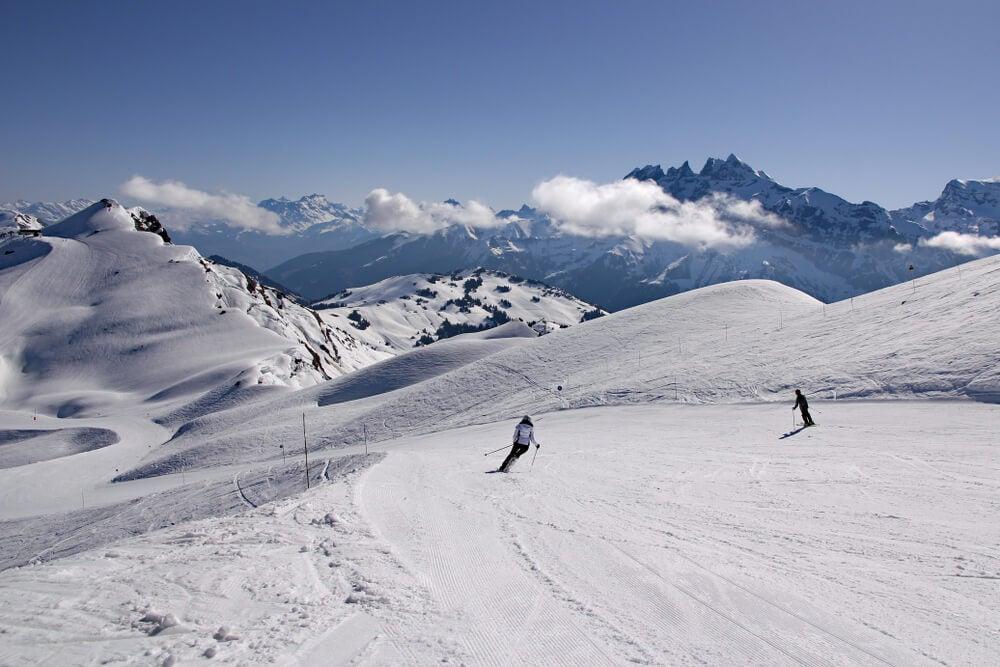 Esquiadores en Les Portes du Soleil