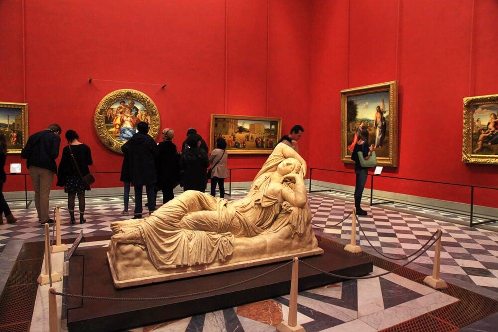 Interior de la Galería Uffizi de Florencia