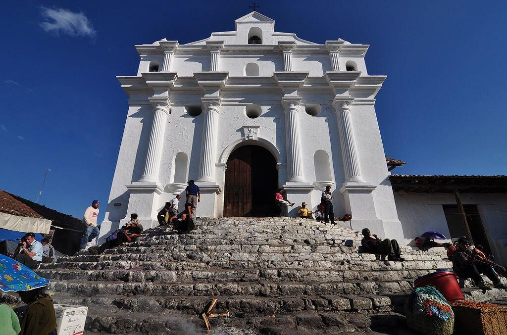 Iglesia de Santo Tomás en Chichicastenango