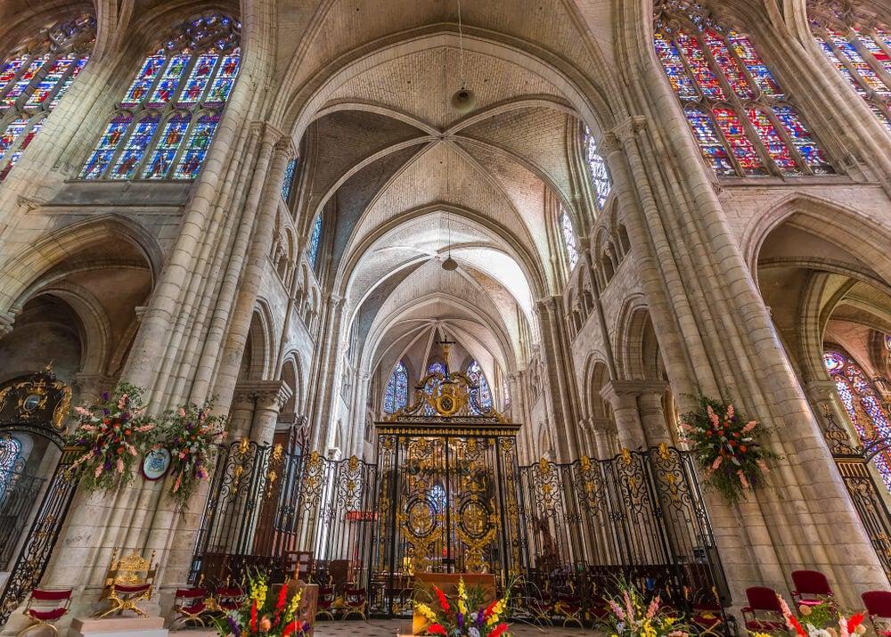 Interior de la catedral de Sens