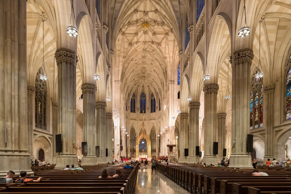 Interior de la catedral de San Patricio de Nueva York