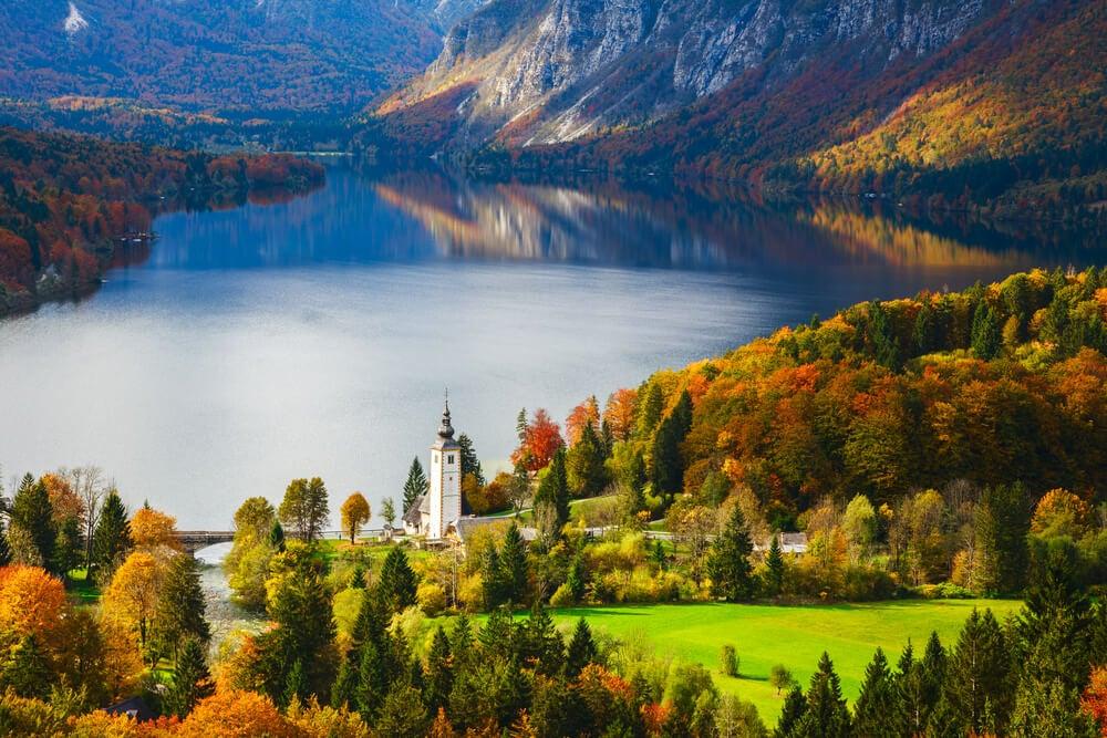 El lago Bohinj: disfruta del mayor lago de Eslovenia