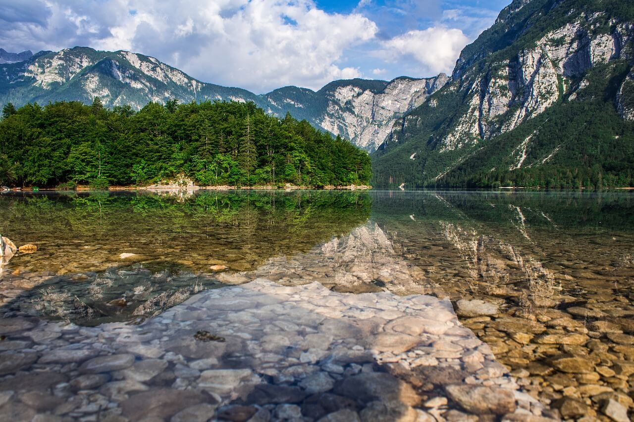Lago Bohijn, una de las atracciones naturales de Eslovenia