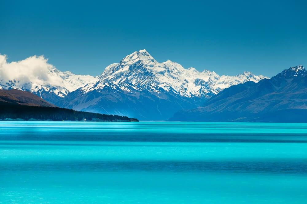 El lago Pukaki en la Isla Sur de Nueva Zelanda