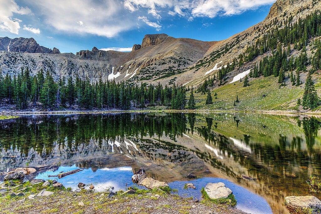 Lago Stella en el Parque Nacional Great Basin