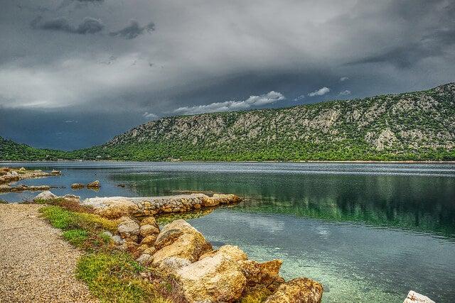Vista el lago Voluagmeni