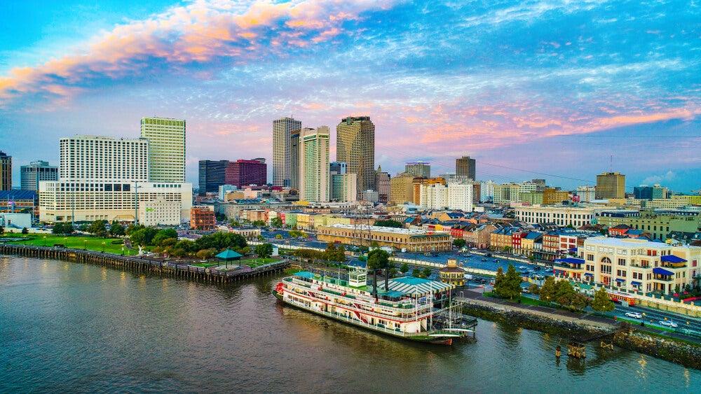 Río Misisipi en la ciudad de Nueva Orleans