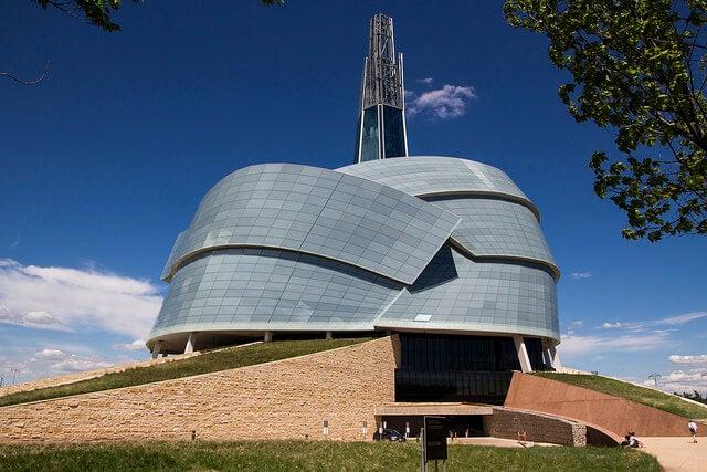 Exterior del Museo Canadiense de los Derecho Humanos