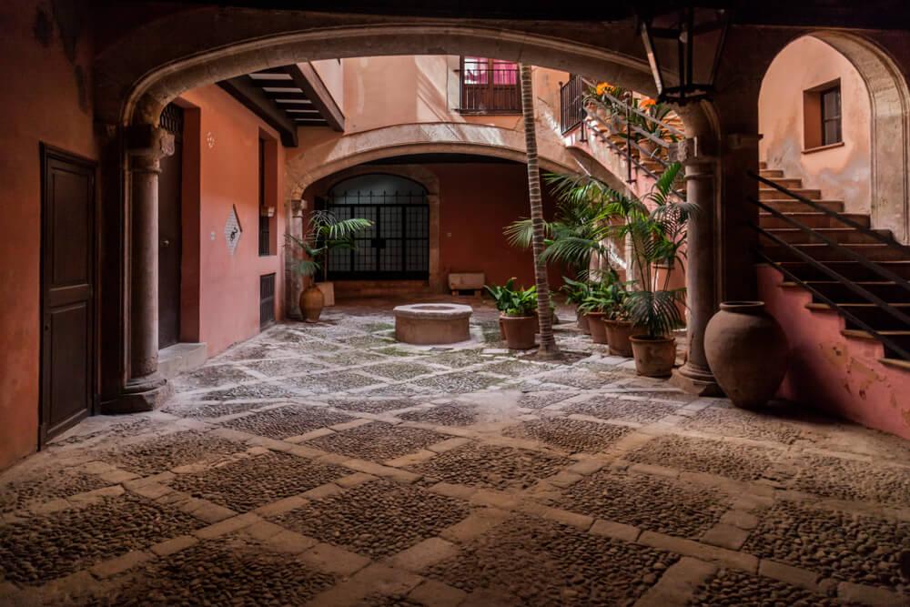Patio típico en Palma
