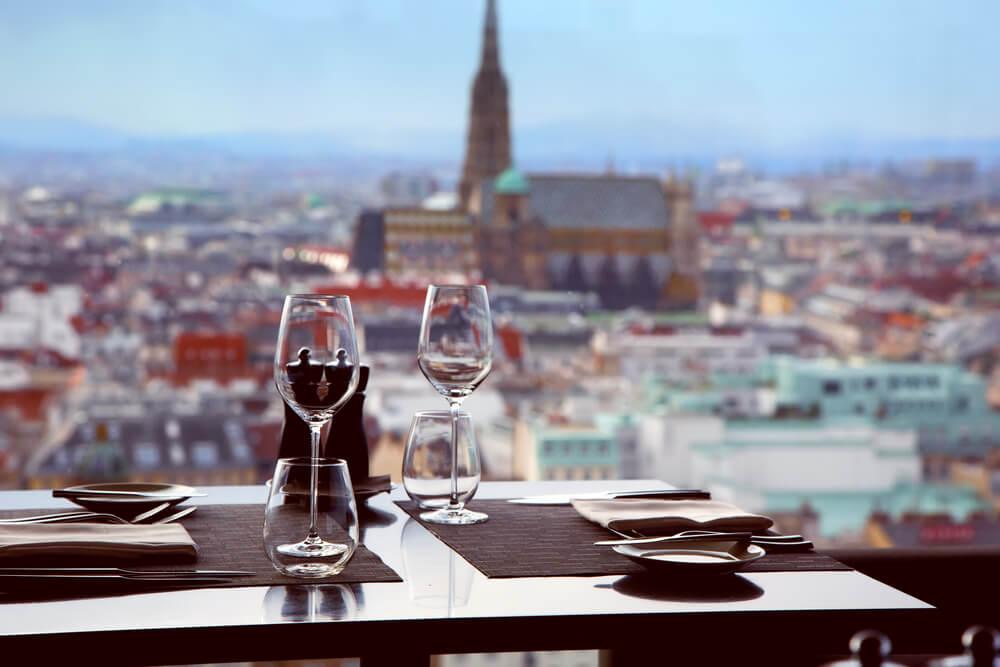 Mesa en uno de los restaurantes de Viena