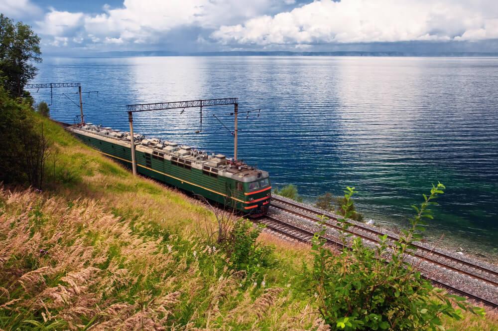 Transiberiano en el lago Baikal