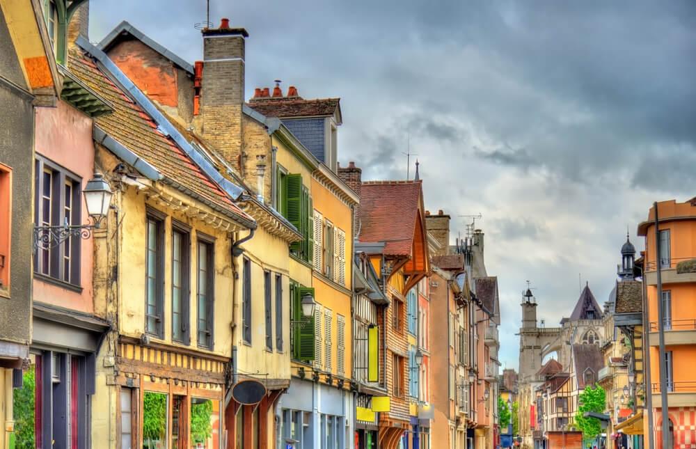 Calle de Troyes, uno de los pueblos franceses más bonitos