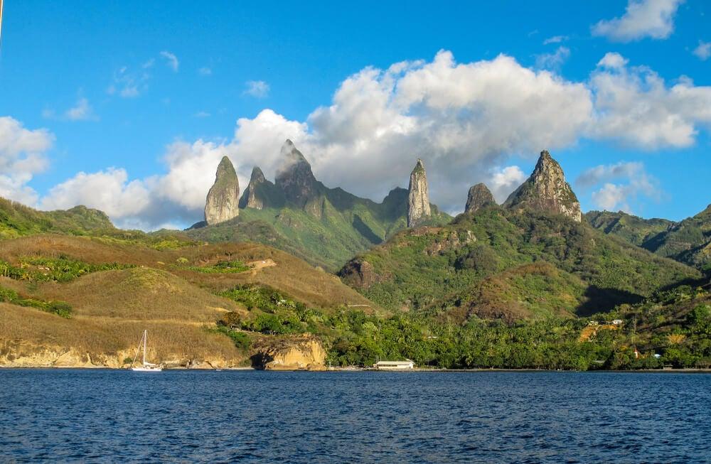Isla de Ua Pou en el archipiélago de las Marquesas